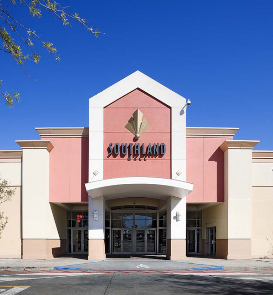 ShopSleuth found 1 outlet near Houma, LA, with a total of 68 factory stores. There are 0 outlet malls in Houma, LA, and 1 outlet mall in the nearby city of Gonzales. For non-outlet shopping, we have also provided a separate list of 10 traditional shopping malls near Houma, LA.