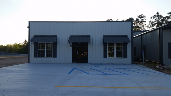 5,600 Square Foot Industrial Space For Lease @ 325 N Beglis