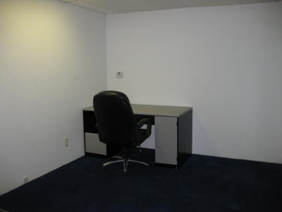 100 Square Foot Office Space For Lease 6360 Van Nuys Blvd 200 Van Nuys Ca 91401 Rofo