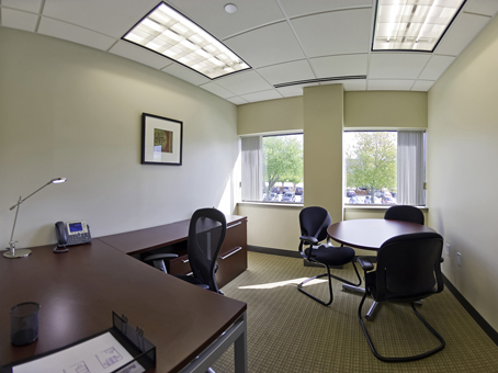 125 square foot office space for lease 303 wyman street