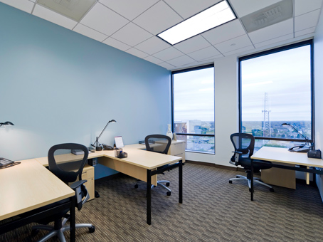 400 Square Foot Office Space For Lease @ 401 North Tryon Street   10th Flr