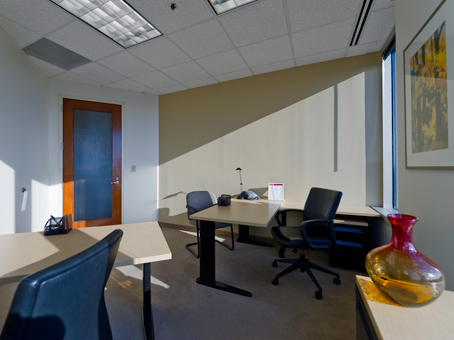 400 Square Foot Office Space For Lease @ 525 North Tryon Street   Ste 1600