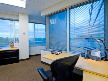 400 Square Foot Office Space For Lease @ 150 Motor Parkway - 4th Flr, Hauppauge, NY 11788 | Rofo